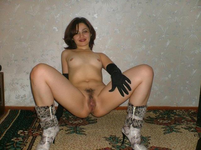 Развели ножки и сфотографироваи вагины xxx фото