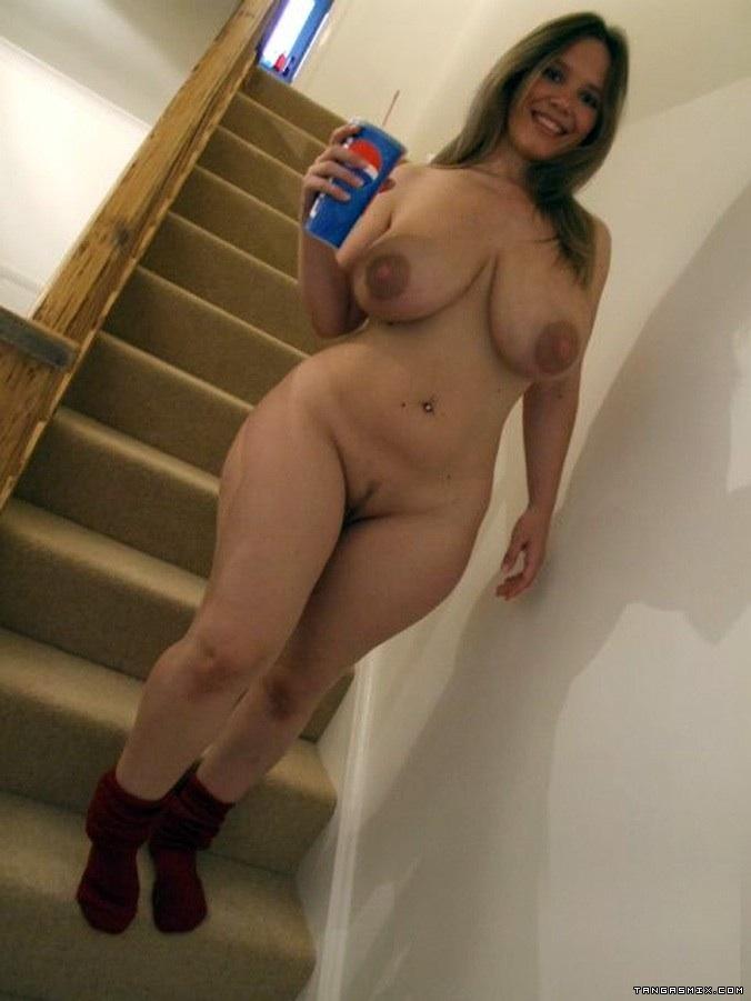 Пышные дамы показали большие дойки секс фото