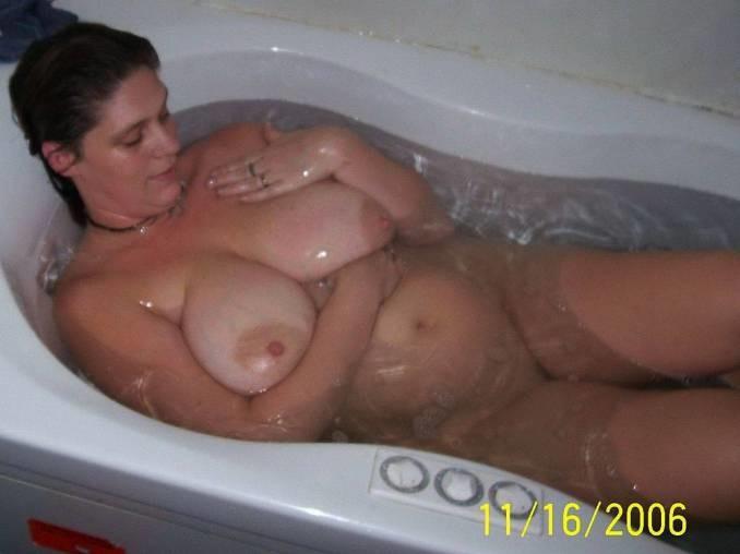 Голые бабы в ванной