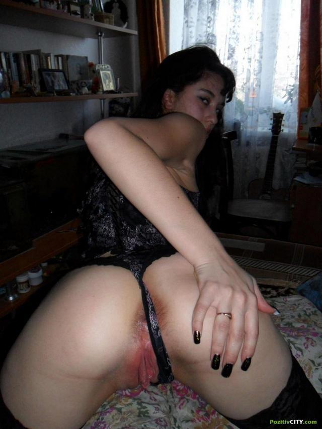 Темная Марго с фаллосом во рту фото порно