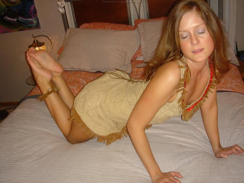 Жена надела тематический костюм и ожидает в гости пацана