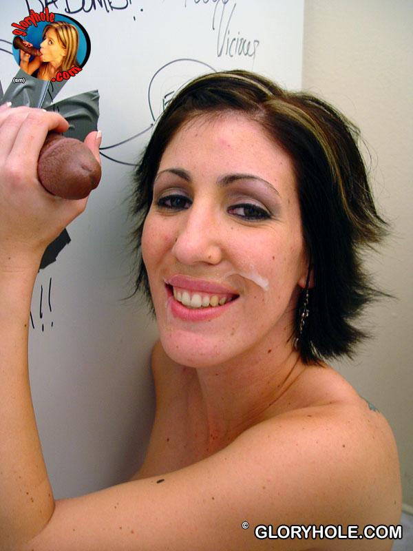 Грудастая Melanie Malone нашла щелку с чёрным хуем в кабинке туалета