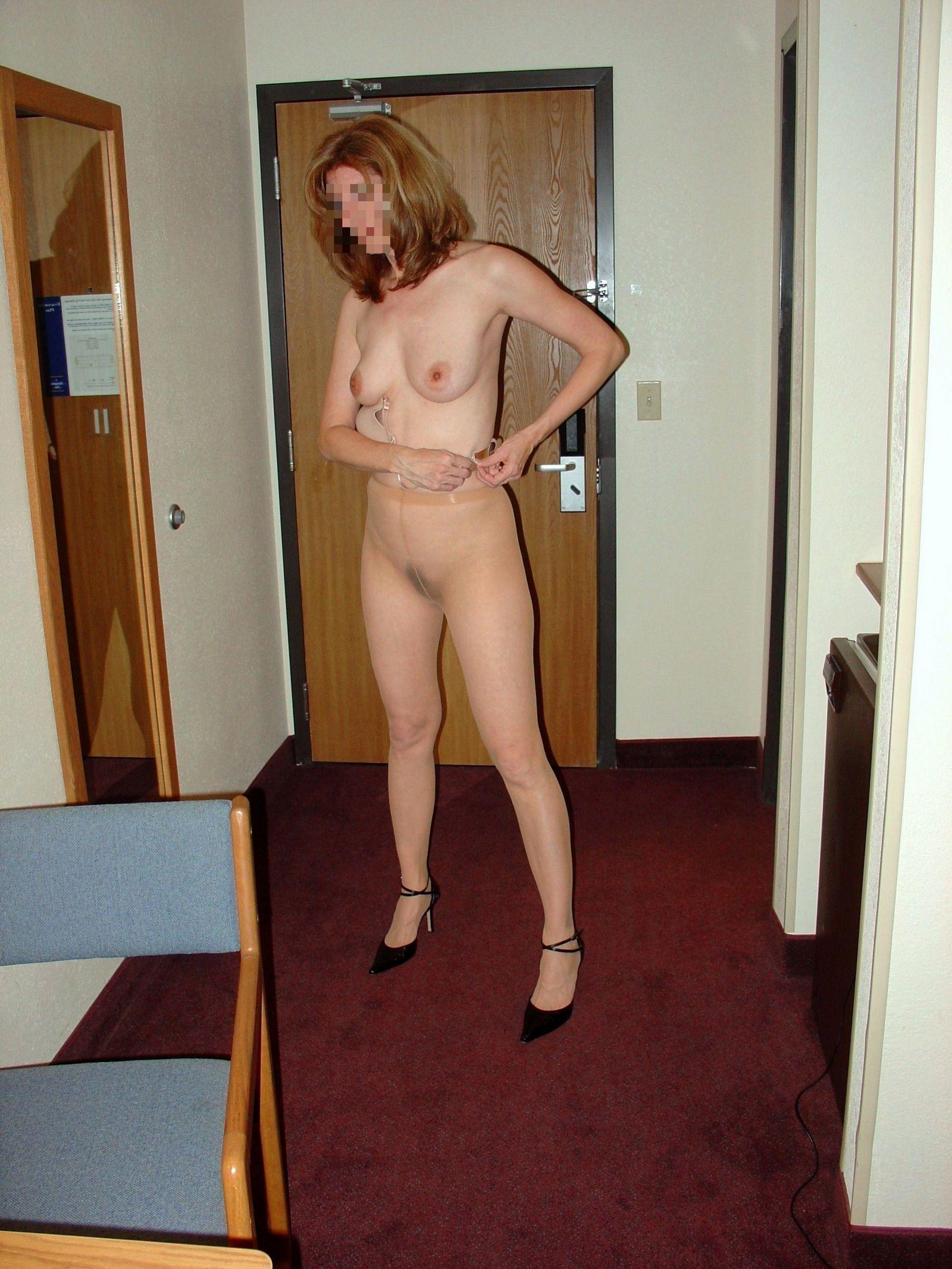 Ролевая игра с женой в гостиничном номере